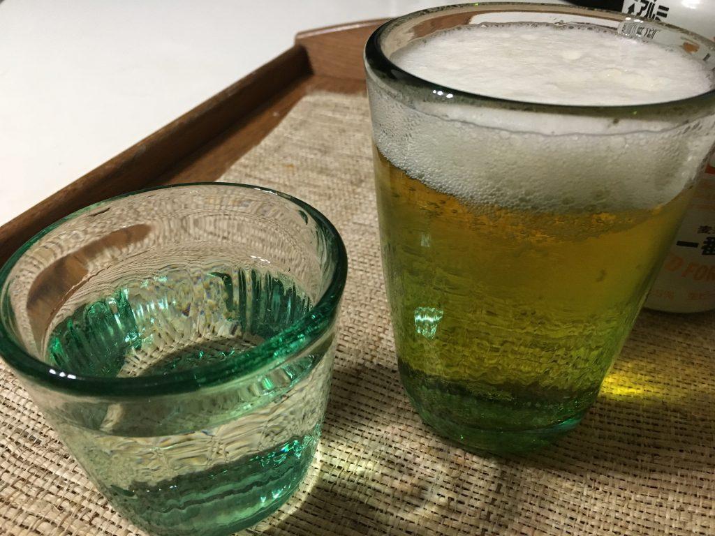 大にはビール、小には冷酒。