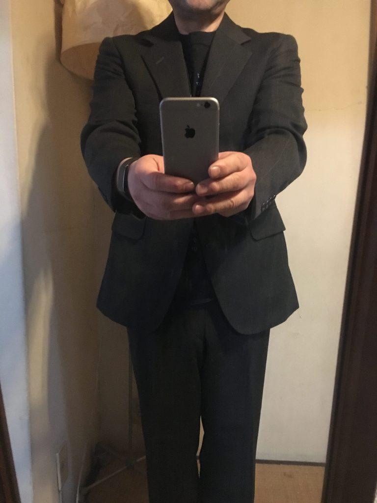 スーツ姿、胴回り